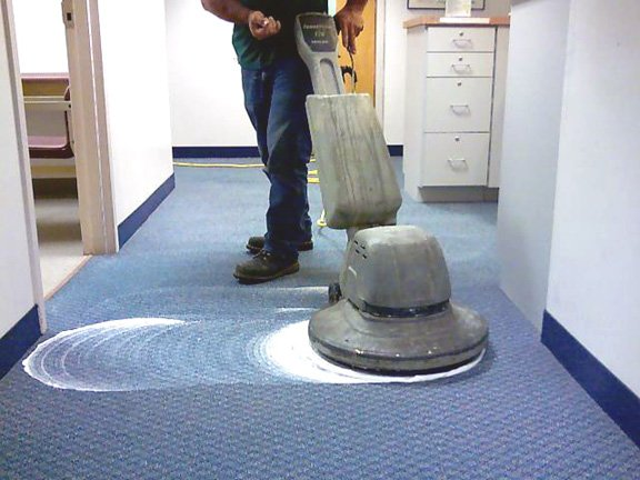 Lavaggio Moquette Roma | Impresa di pulizie Roma | www.rapidaservizi.com